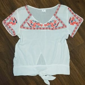 O'Neill white t shirt blouse w embroidered flowers